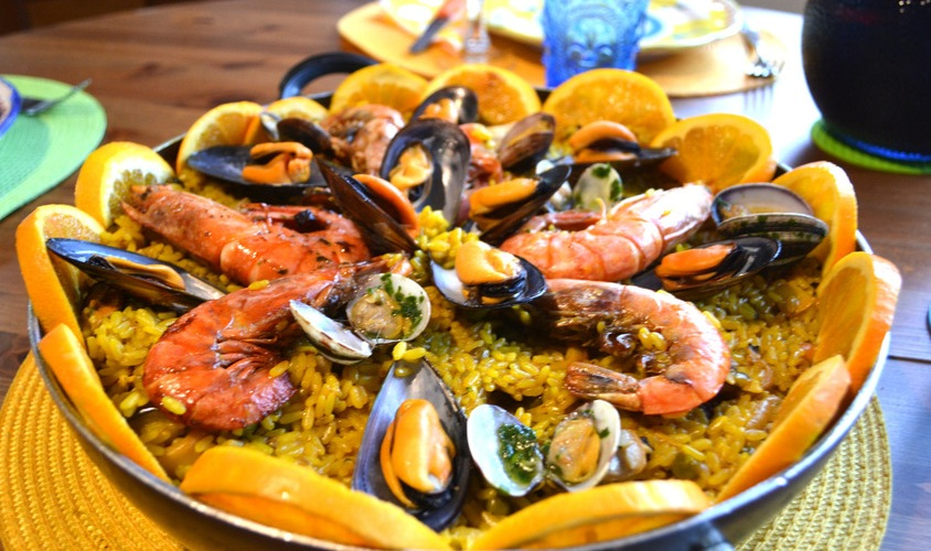 Bacalhau, Vinho & Cia (SP) destaca paella